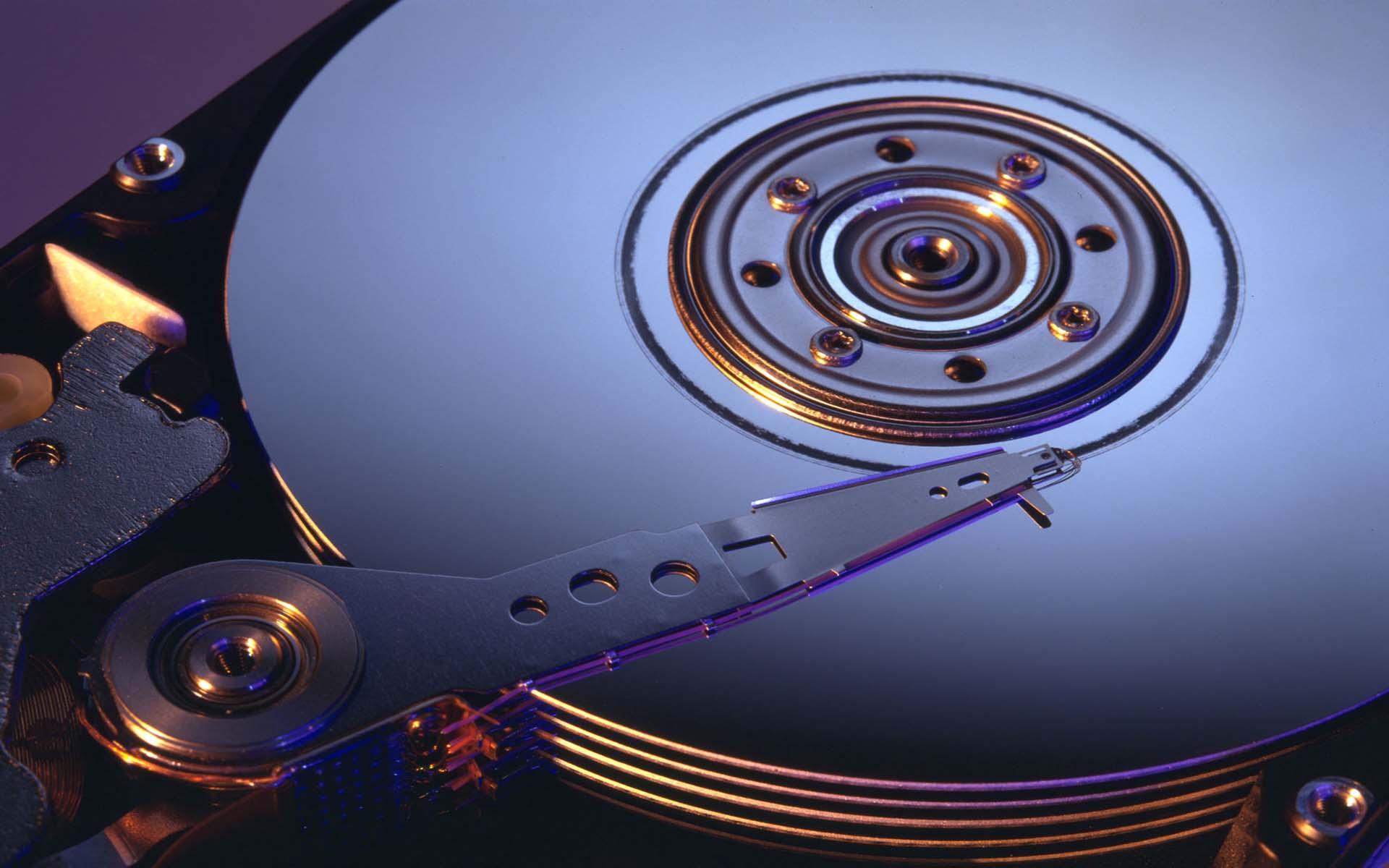 Pesquisadores da IBM batem recorde ao armazenar 330 TB em fita magnética